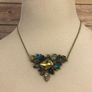 Mixed Jewel necklace.